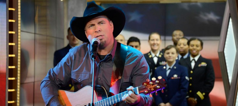 GARTH SALUTES VETERANS ON GMA